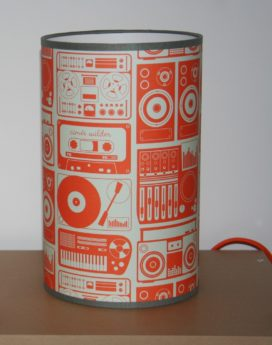 magasin luminaire lyon lampe totem chambre enfant radio vintage orange