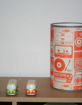 magasin luminaire lyon lampe totem chambre enfant radio vintage orange decoration