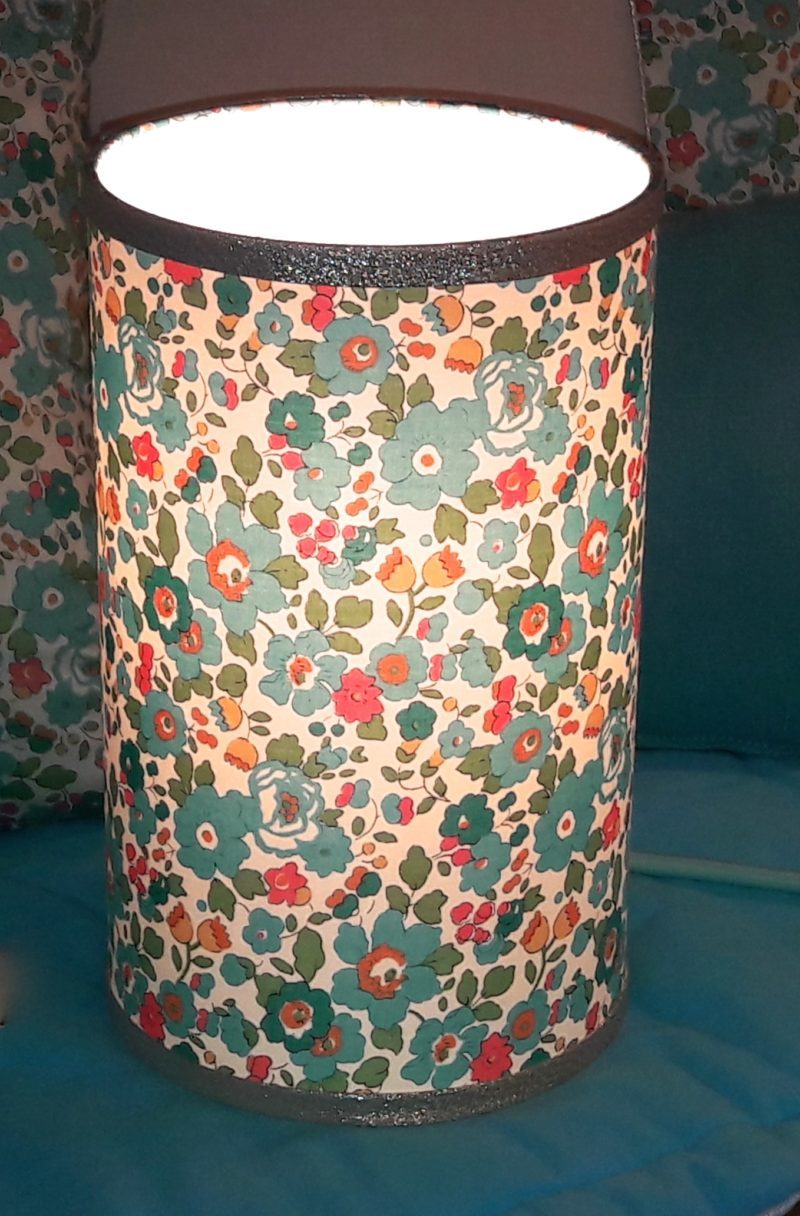 magasin luminaire lyon décoration lampe totem liberty betsy turquoise