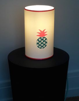 magasin luminaire lyon lampe totem ananas mint fluo chambre enfant fille 1