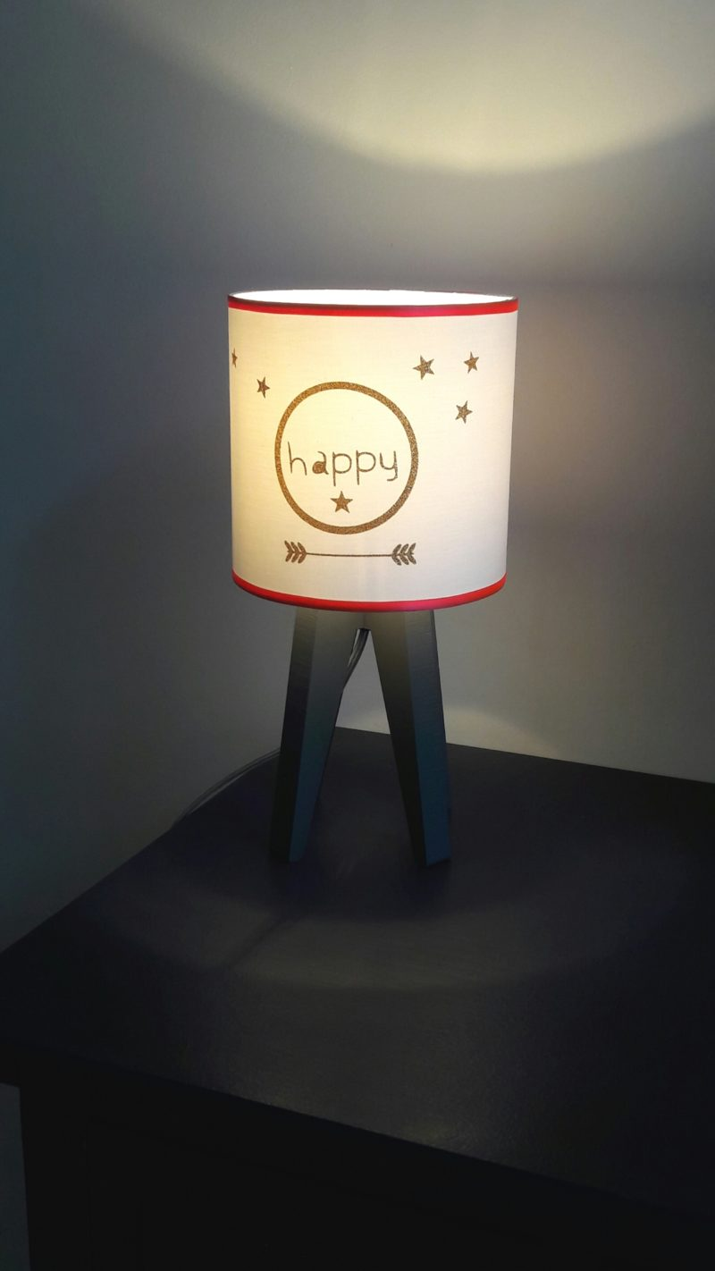 magasin luminaire lyon décoration intérieure chambre enfant fille happy corail or lampe quadripode 1