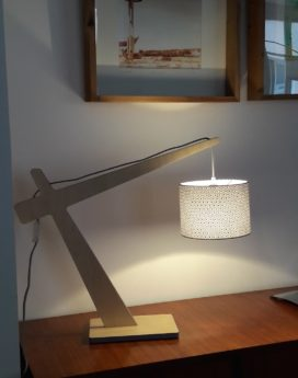 magasin luminaire lyon lampe potence hexagones noirs blancs