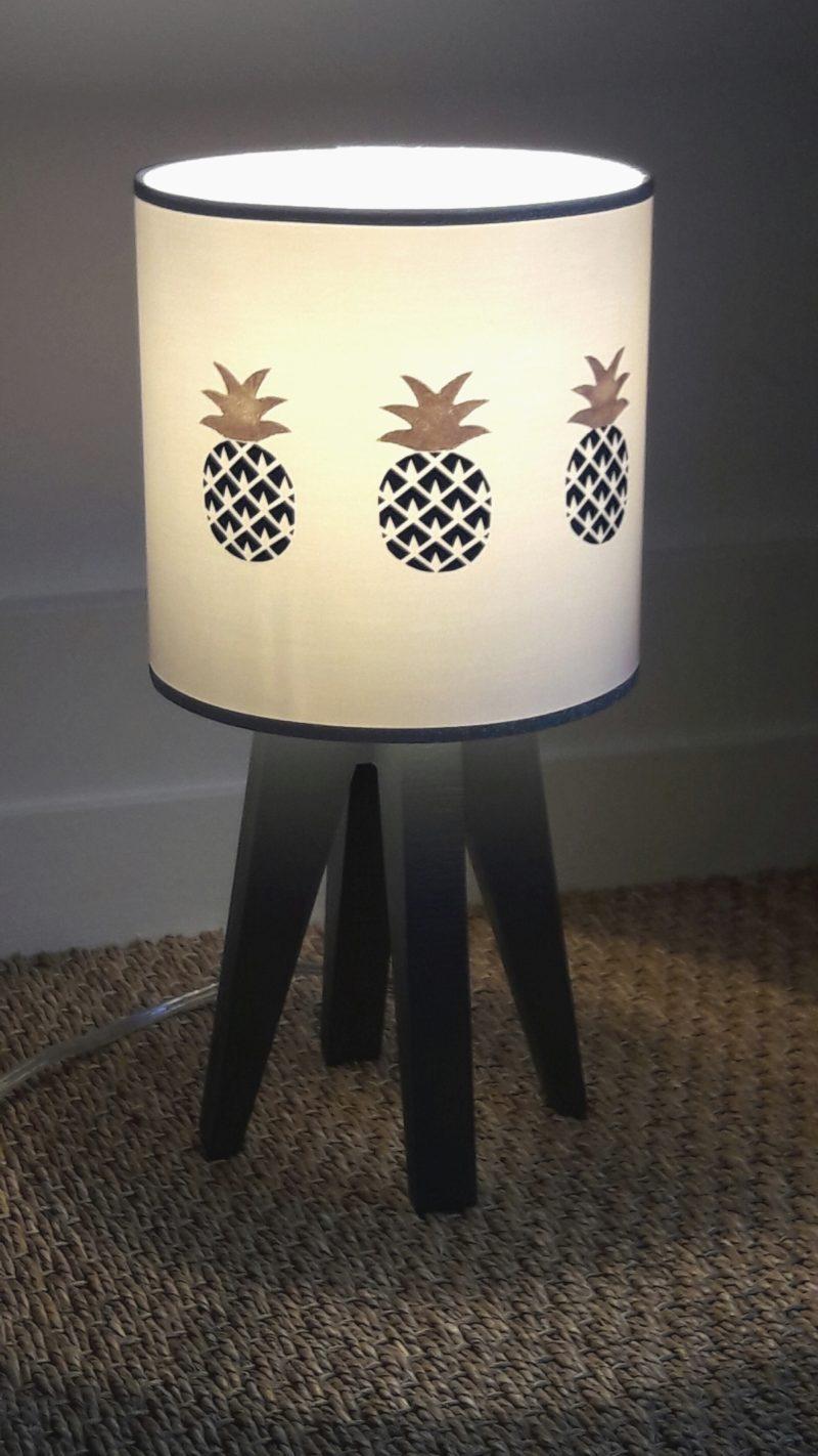 magasin luminaire lyon lampe quadripode chambre enfant ananas argenté bleu