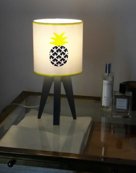 magasin luminaire lyon lampe quadripode chambre enfant ananas marine fluo 1