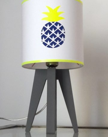 magasin luminaire lyon lampe quadripode chambre enfant ananas marine fluo 2