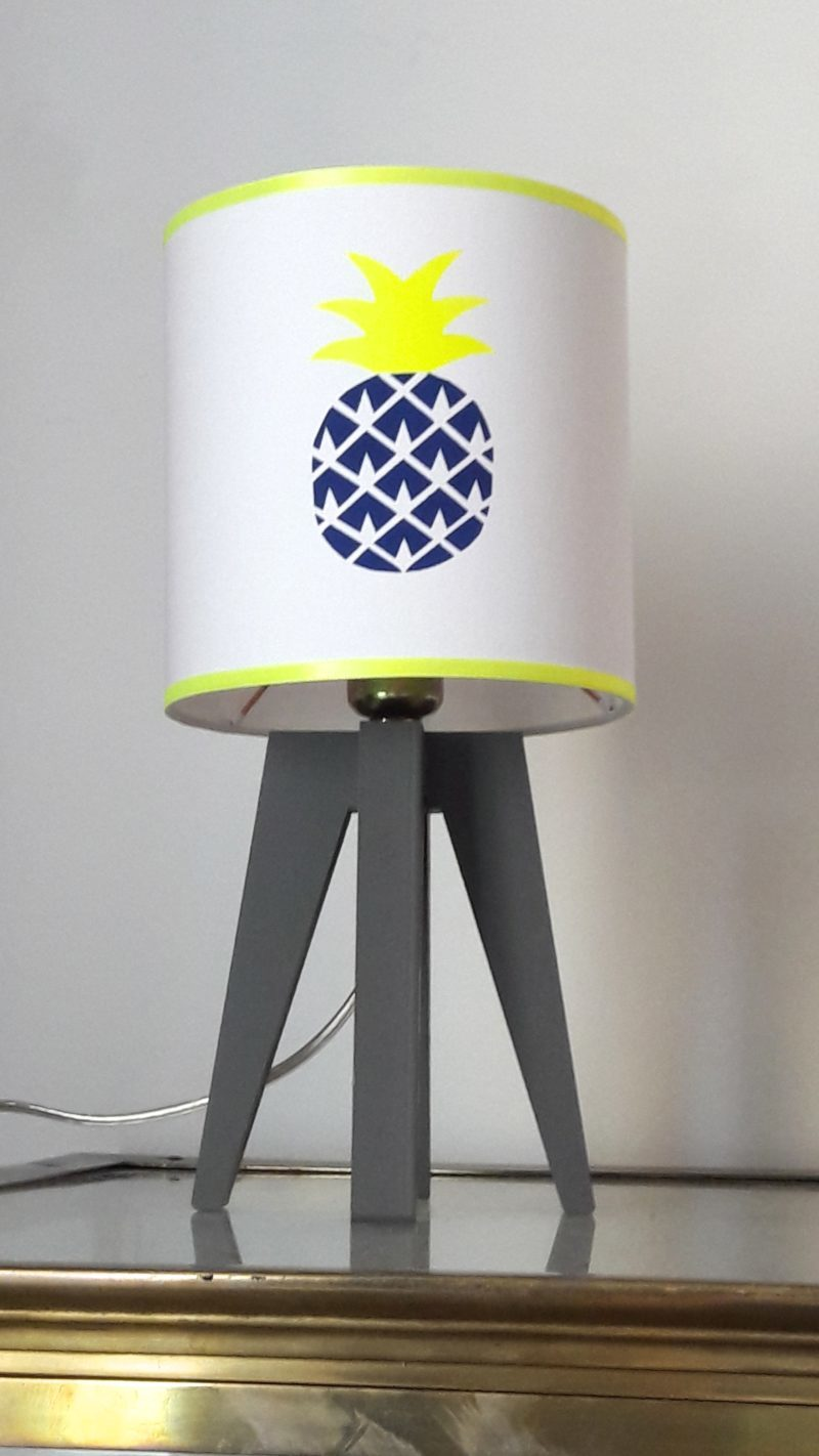 magasin luminaire lyon lampe quadripode chambre enfant ananas marine fluo 2