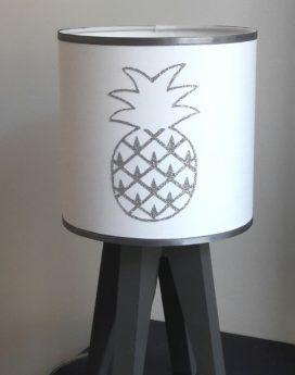 magasin luminaire lyon lampe quadripode décoration intérieure ananas argenté
