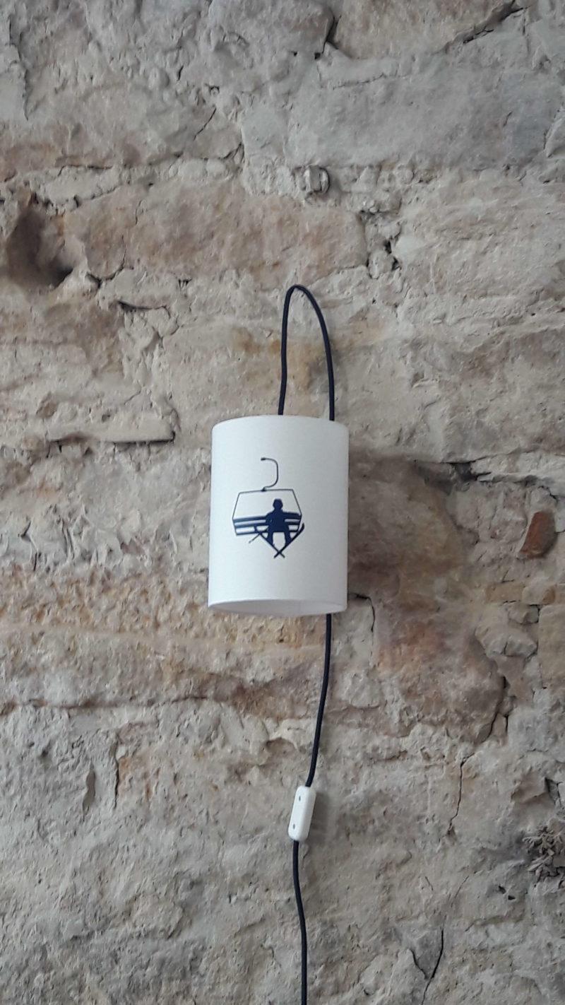 magasin luminaire lyon baladeuse chambre enfant décoration intérieure télésiège bleu marine lampe