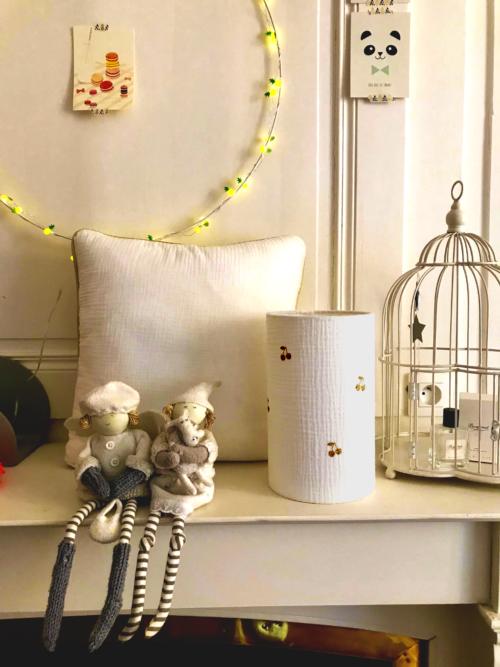 magasin luminaire lyon décoration chambre enfant double gaze de coton cerises dorées 1