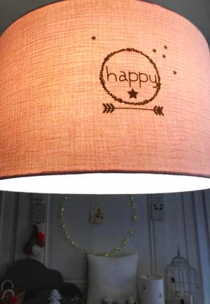 """suspension en gaze de coton rose nude imprimé """"Happy"""""""