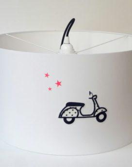 magasin luminaire lyon chambre enfant scooter garçon broderie étoile