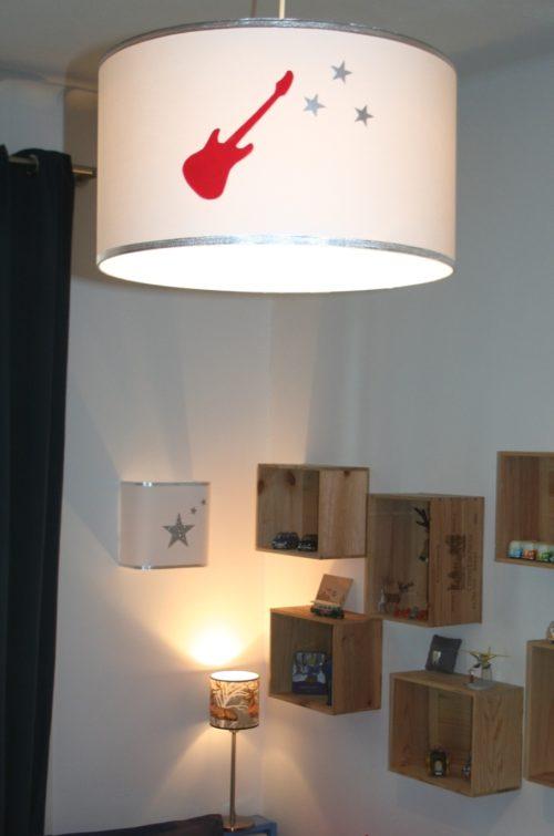 magasin luminaire lyon suspension chambre enfant garçon guitare rouge