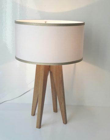 magasin luminaire lyon lampe quadripode bordure dorées