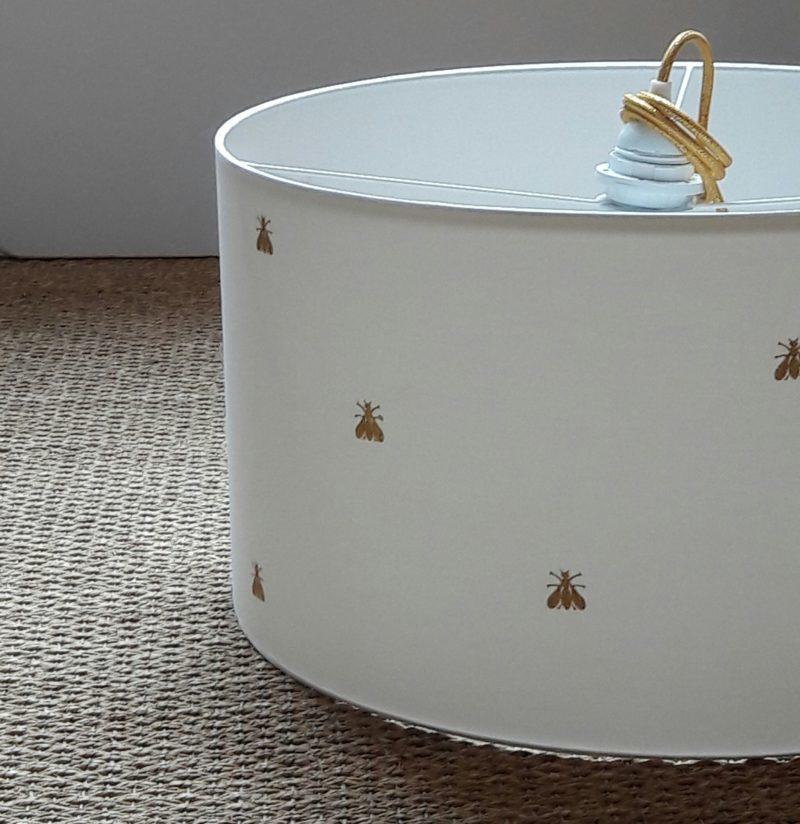 magasin luminaire lyon abat jour décoration intérieur blanc abeille or