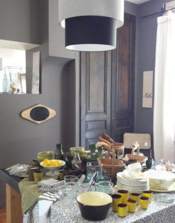 magasin luminaire lyon abat jour decoration interieur noir blanc plafonnier suspension geometrique