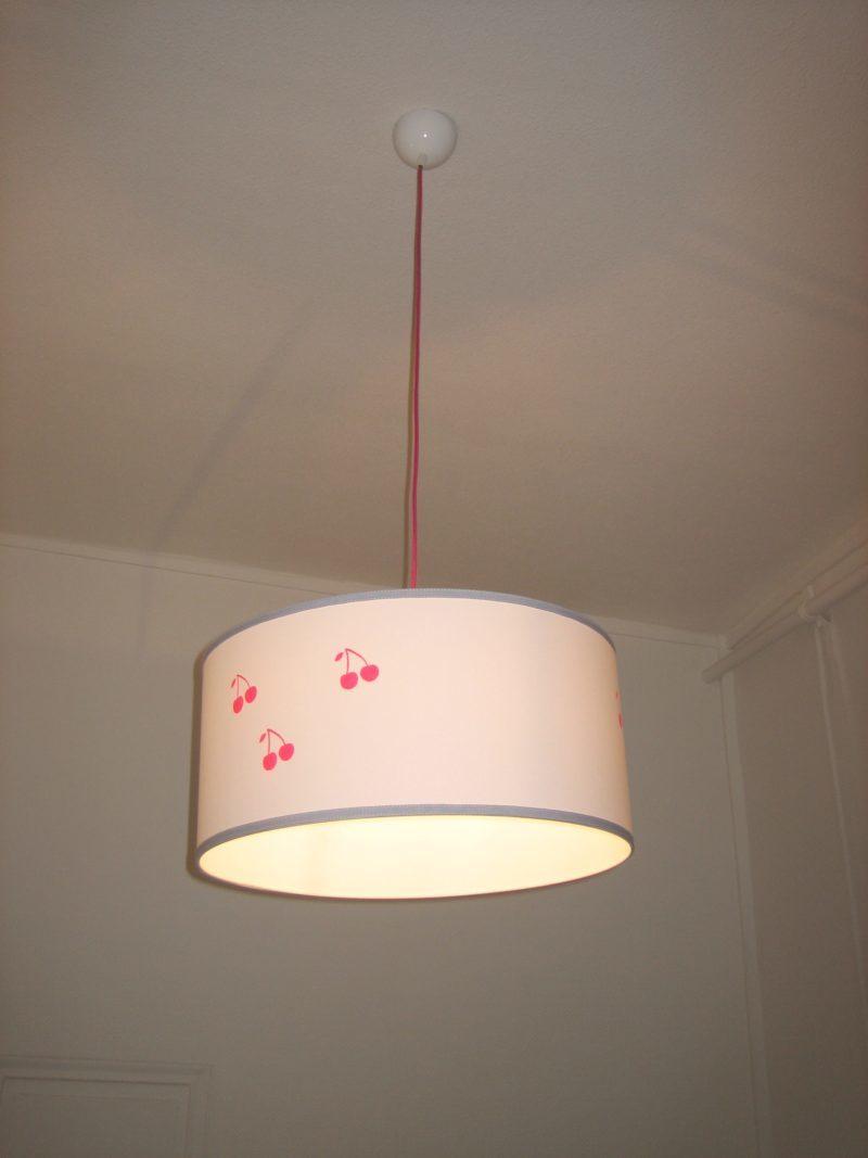 magasin luminaire lyon suspension chambre enfant cerises roses