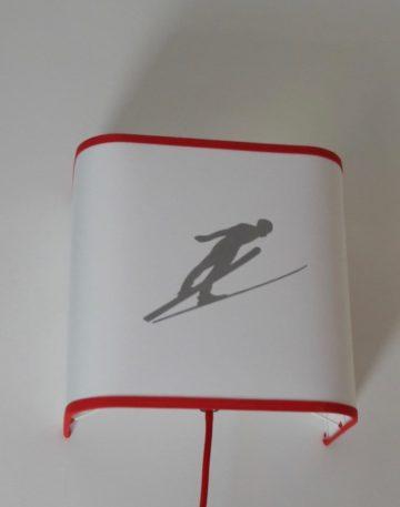 magasin luminaire lyon applique murale skieur rouge decoration chalet montagne