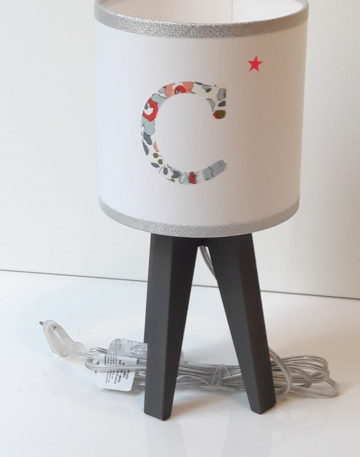 magasin luminaire lyon lampe enfant Liberty betsy porcelaine personnalisation sur mesure initiale