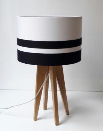 magasin luminaire lyon lampe quadripode abat jour sur mesure personnalisation bordure blanche noire décoration interieur