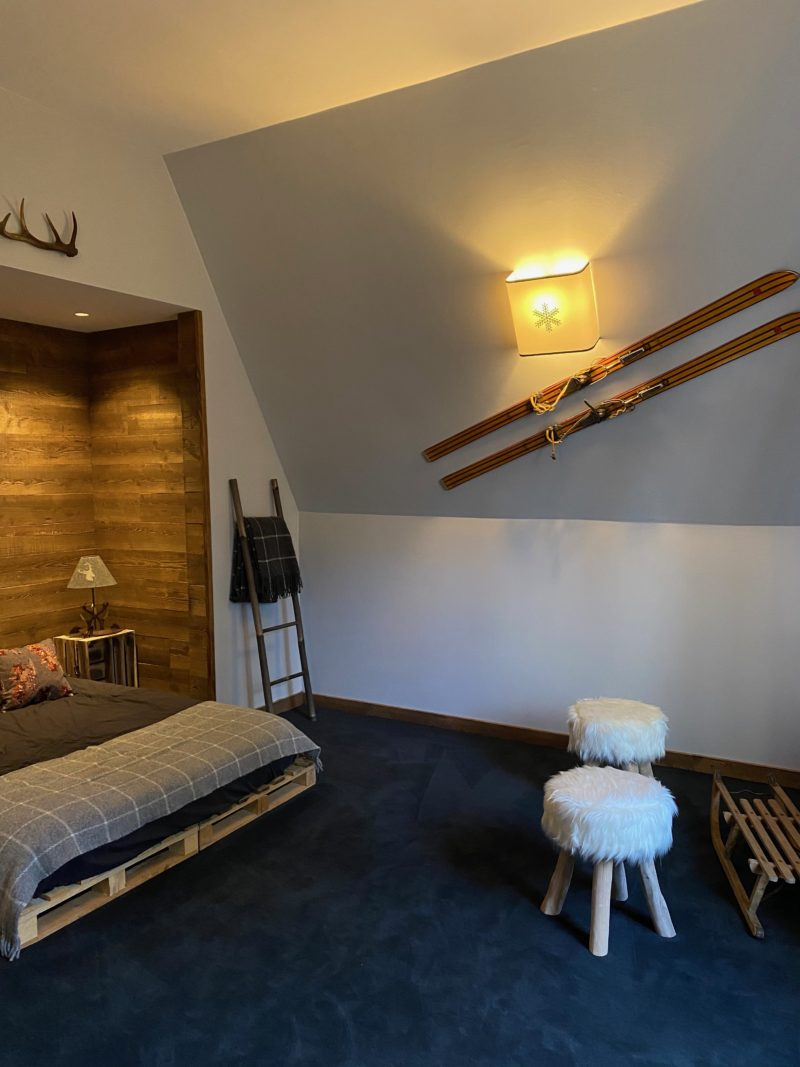Applique murale flocon montagne decoration chalet idee deco interieur noire design