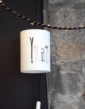 magasin luminaire lyon abat jour lampe baladeuse decoration interieur montagne chalet sur mesure luge ski dore