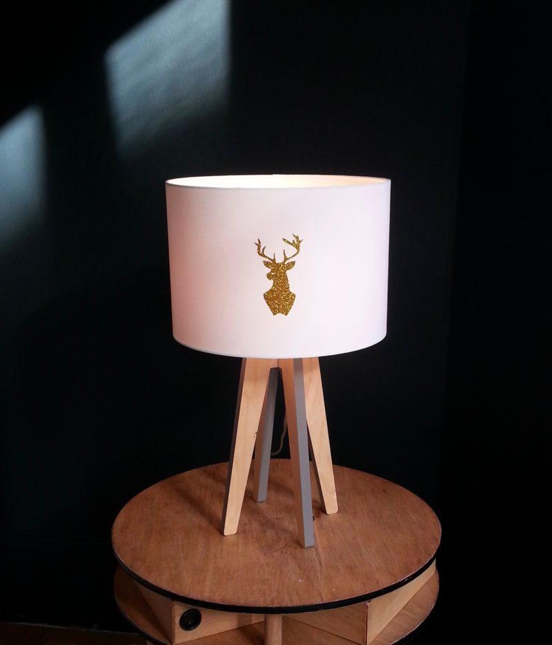 magasin luminaire lyon abat jour lampe decoration interieur chalet campagne cerf paillete dore
