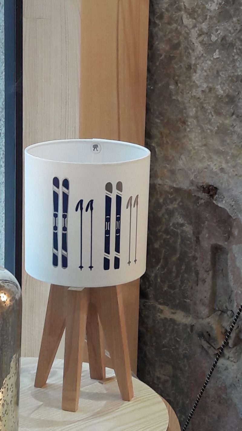 magasin luminaire lyon déco montagne intérieur chalet marine argenté abat jour personalisation sur mesure