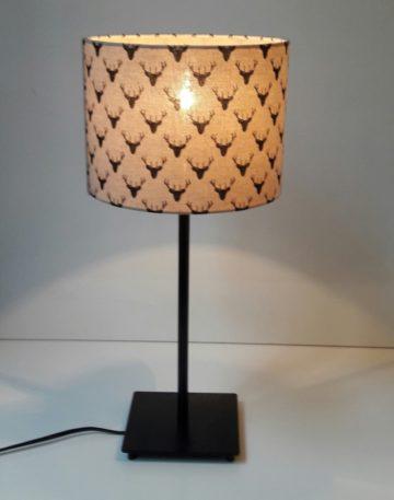 magasin luminaire lyon lampe quadripode abat jour cerf noir deco interieur montagne campagne chalet