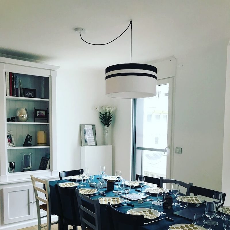 magasin luminaire lyon suspension abat jour noir blanc deco interieur plafonnier