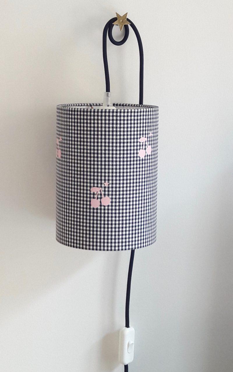 magasin luminaire lyon lampe baladeuse abat jour chambre enfant decoration idee cadeau cerise rose tissu vichy marine