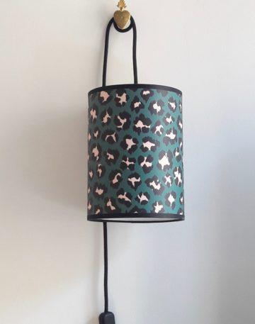 magasin luminaire lyon lampe baladeuse abat jour papier leopard decoration interieur vert rose sur mesure