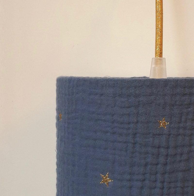 magasin luminaire lyon lampe baladeuse chambre enfant decoration abat jour suspension double gaze coton bleu marine etoile paillette or