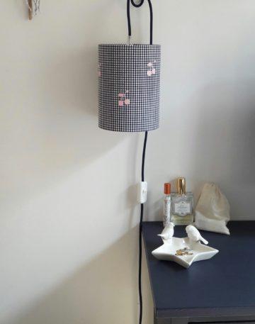 magasin luminaire lyon lampe baladeuse chevet bureau decoration chambre enfant tissu vichy marine cerises rose