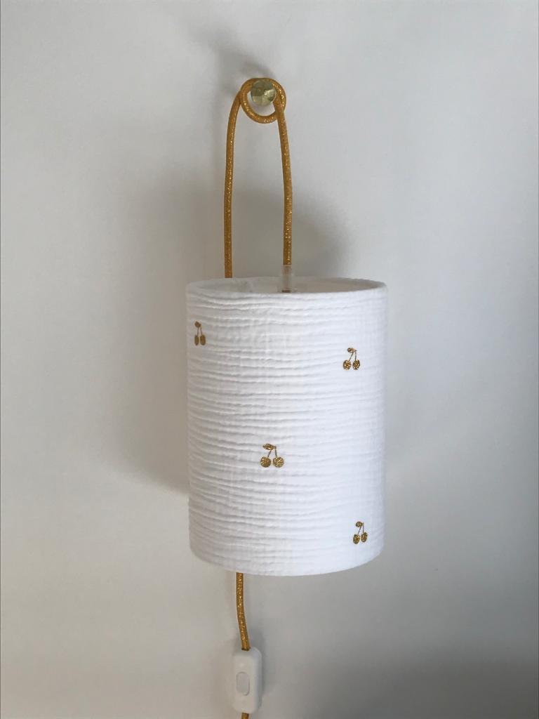 magasin luminaire lyon lampe baladeuse chevet chambre enfant decoration double gaze blanche cerise pailletee doree