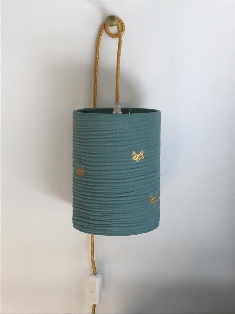 magasin luminaire lyon lampe baladeuse chevet decoration chambre enfant double gaze coton vert eucalyptus tete renard paillete dore