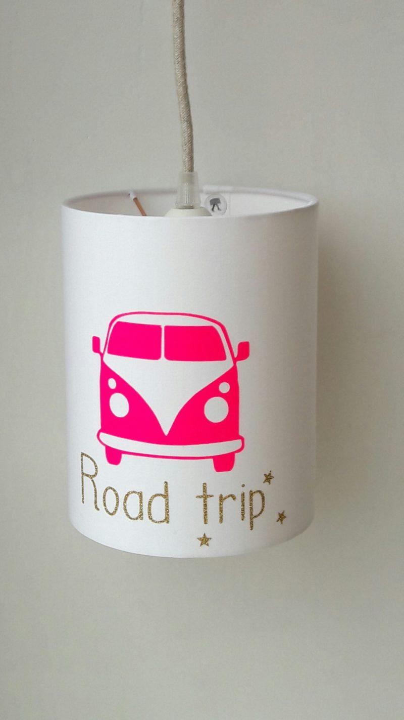 magasin luminaire lyon lampe baladeuse decoration chambre enfant abat jour suspension van road trip rose fluo