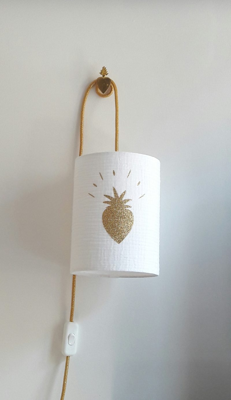 magasin luminaire lyon lampe baladeuse tissu double gaze coton blanche coeur paillete or decoratio ninterieur