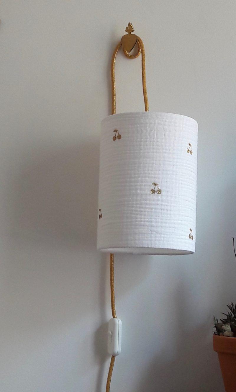 magasin luminaire lyon lampe baladeuse tissu double gaze coton blanche palmier paillete dore decoration interieur abat jour