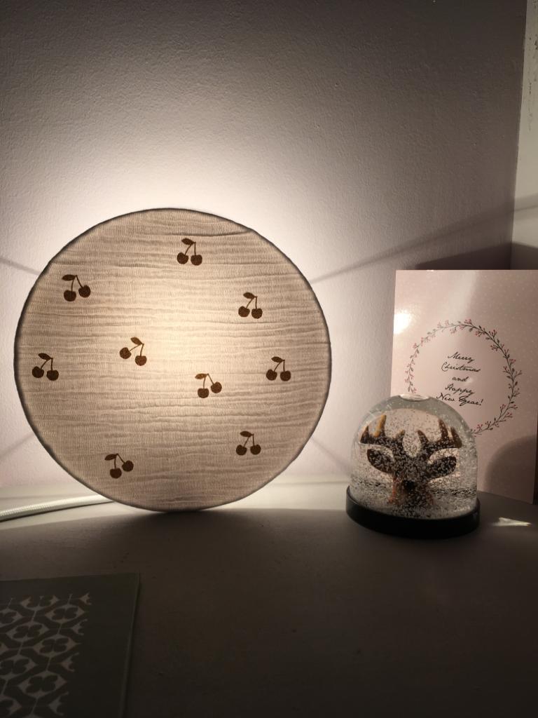 magasin luminaire lyon lampe tam tam a poser applique murale double gaze cerises or decoration chambre enfant