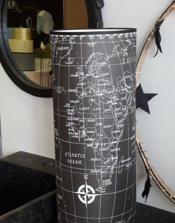 magasin luminaire lyon lampe totem map monde noire carte du monde decoration interieur