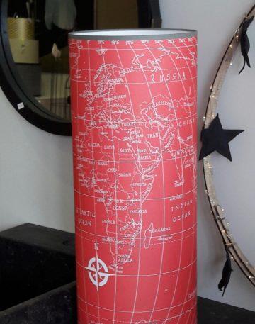 magasin luminaire lyon lampe totem salon decoration interieur chambre enfant map monde rouge