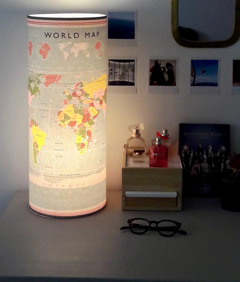 magasin luminaire lyon lampe totem tube decoration chambre enfant idee cadeau world map carte du monde