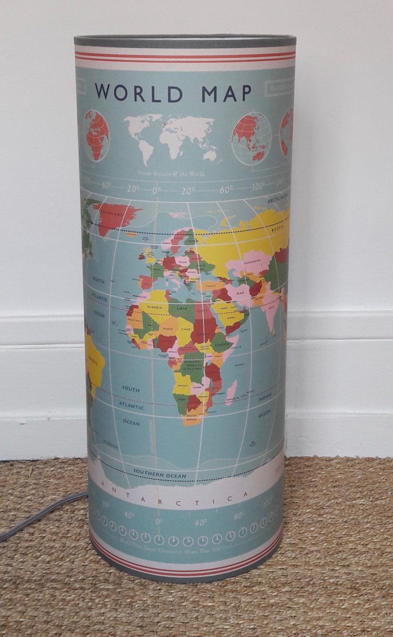 magasin luminaire lyon lampe totem tube decoration interieur chambre enfant carte monde world map wrapping paper