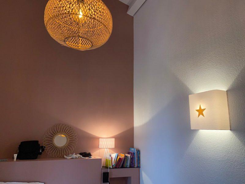 magasin luminaire lyon abat jour sur mesure applique murale double gaze coton blanche etoile paillette dore decoration chambre