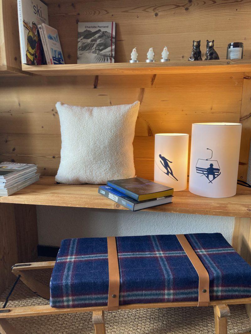 magasin luminaire lyon abat jour decoration chalet lampe chevet montagne skieur marine
