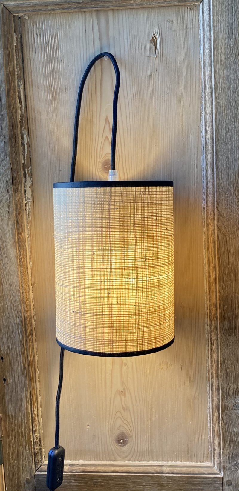 magasin luminaire lyon lampe baladeuse rabane abat jour sur mesure rafia