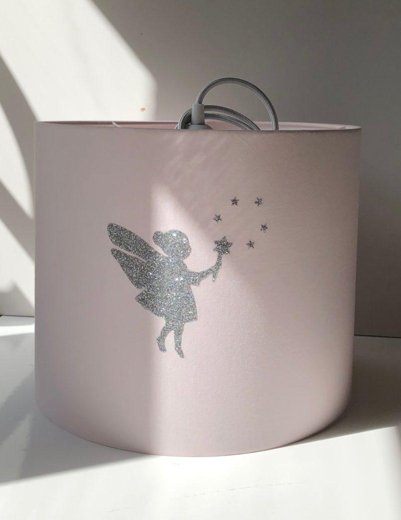 magasin luminaire lyon abat jour chambre enfant decoration interieur rose fee paillete argente