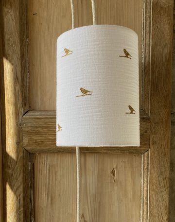 magasin luminaire lyon lampe baladeuse abat jour double gaze coton blanche oiseau paillete dore decoration chambre enfant sur mesure