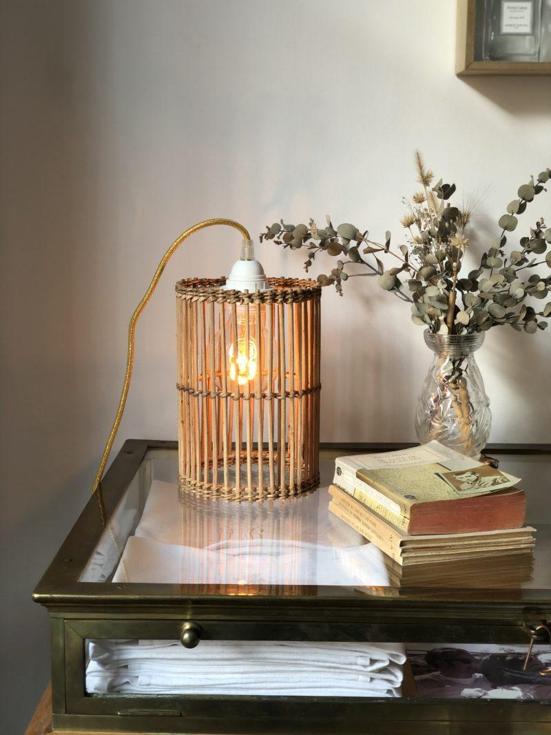 magasin luminaire lyon lampe baladeuse vintage rotin decoration interieur style boheme chic abat jour dore