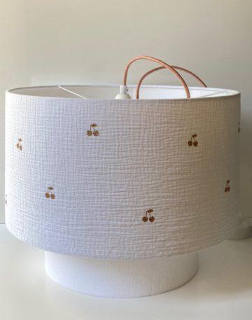 magasin luminaire lyon decoration chambre enfant double gaze coton rose paillete cerise suspension abat jour sur mesure